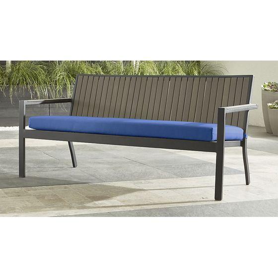 Sofa-Alfresco-con-Cojin-de-Sunbrella-Azul-Mediterraneo-IMG-MAIN