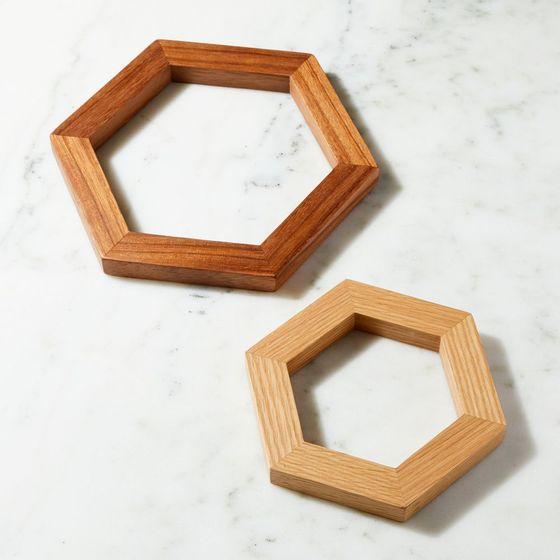 Set-x2-Posacalientes-Hexagonal-en-Madera-